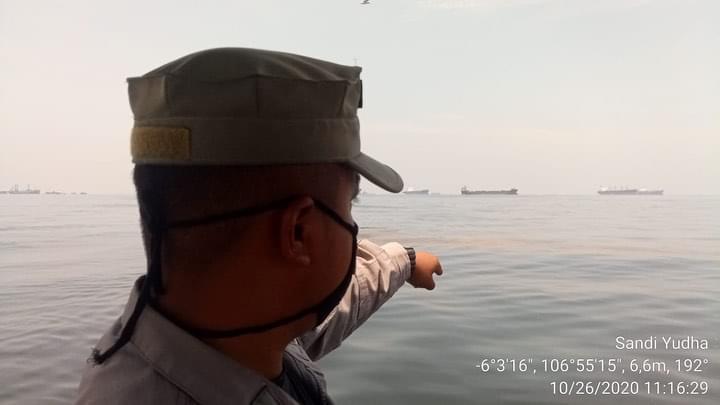Bakamla Temukan Ceceran minyak di teluk Jakarta