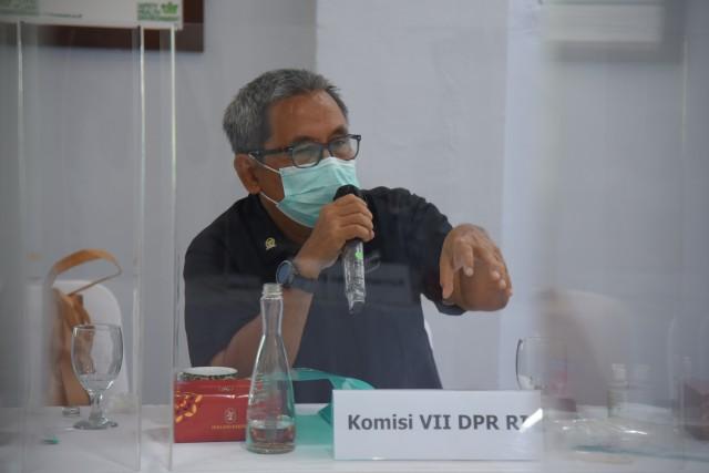 Anggota Komisi VII DPR Kardaya Warnika