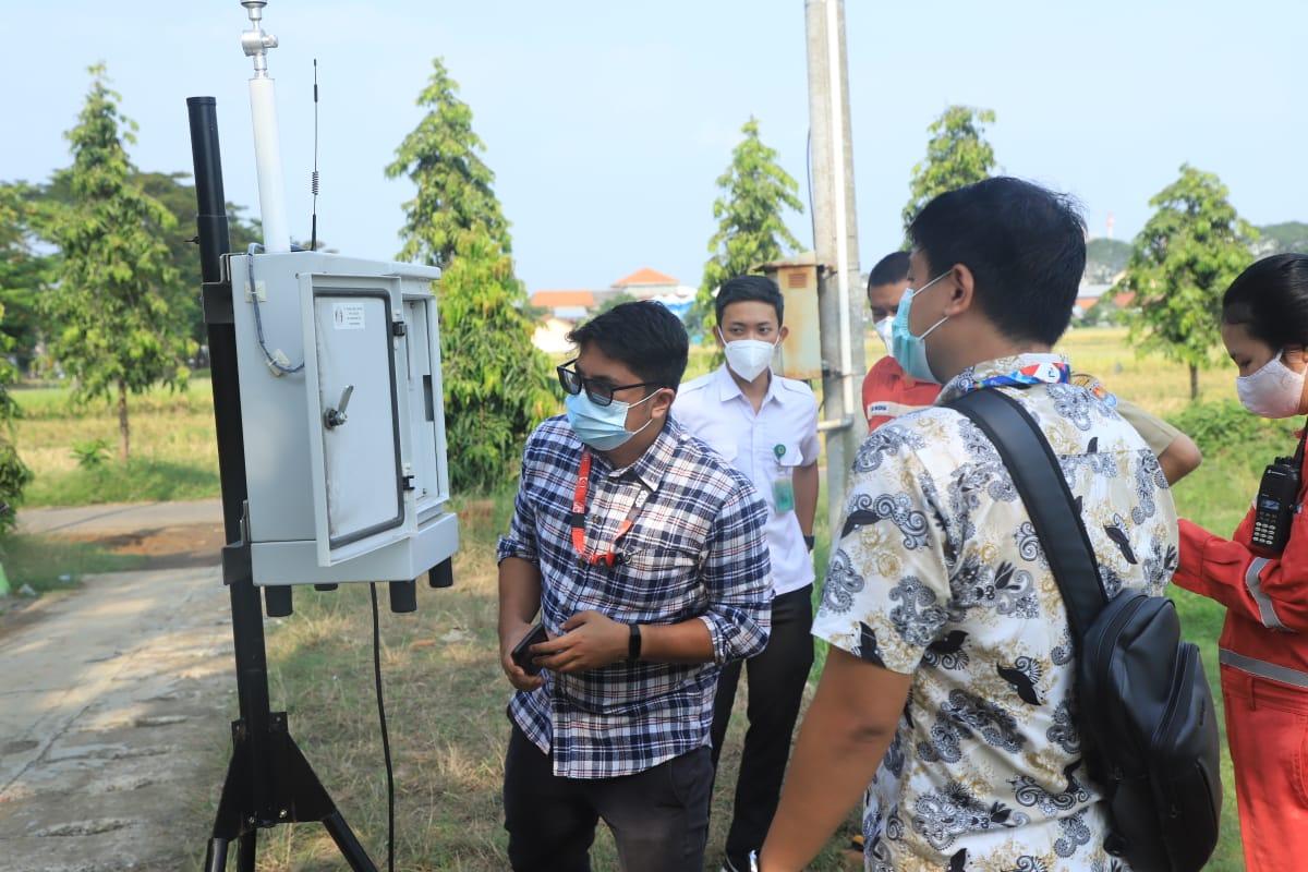 Cek kualitas air dan udara kilang Cilacap